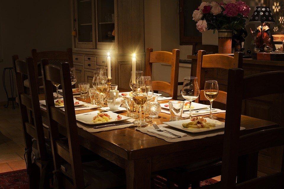 Gdzie wybrać się na kolację firmową w Warszawie