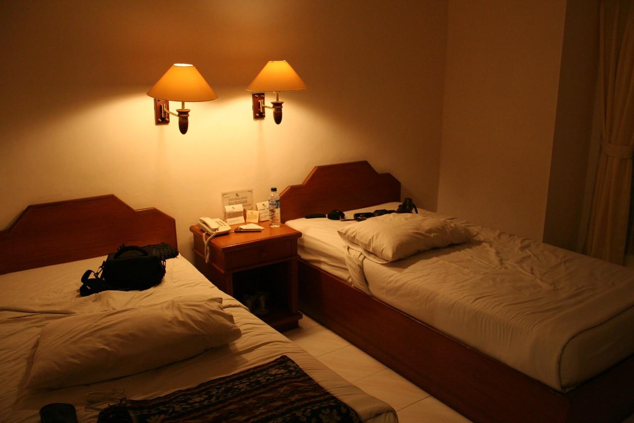 Jakie łóżko do sypialni jednoosobowe wybrać