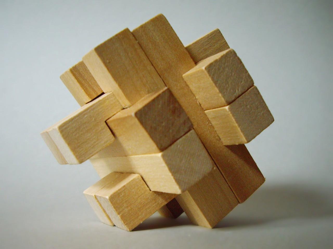 Puzzle drewniane 3D – nowy wymiar zabawy?