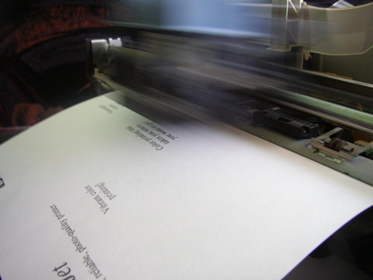 Czy wynajem drukarek do biura się opłaca?